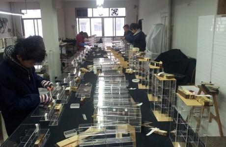 מפעל עיבוד אקריל - מוצרי סטאנד מאקריל