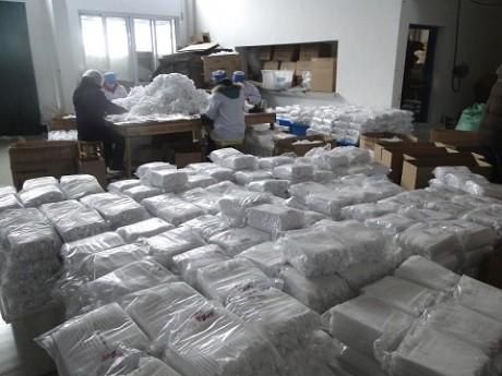 סחורה ארוזה במפעל בסין